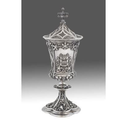 Cáliz en plata austriaca, siglo XX.