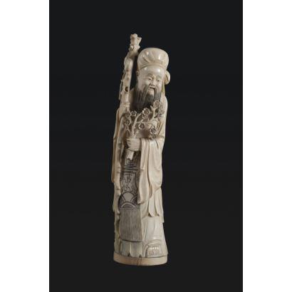 Figura tallada en marfil, China, Ppios. S. XX.