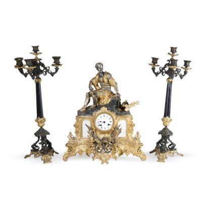 Reloj de sobremesa con guarnición, estilo Luis Felipe, S. XIX.