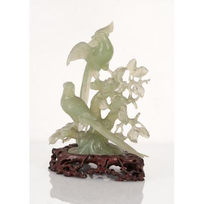 Figura tallada en jade verde.