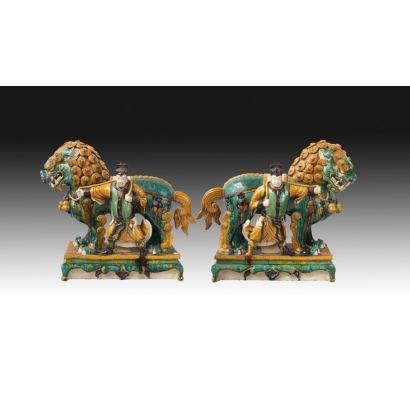 Pareja de esculturas, China, siglo XIX.