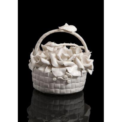 Porcelana. Figura en porcelana tipo biscuit de la casa LLADRÓ.