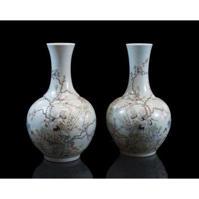 Pareja de jarrones chinos, siglo XX.