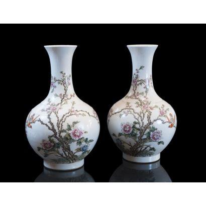 Pareja de jarrones chinos, siglo XIX.