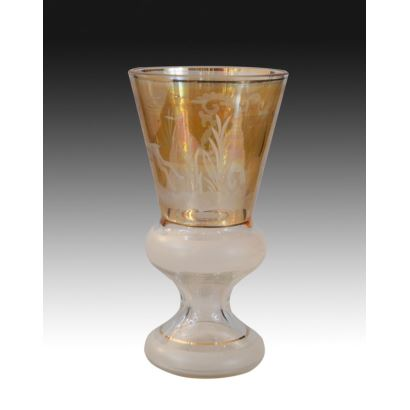 Copa en cristal coloreado, siglo XX.
