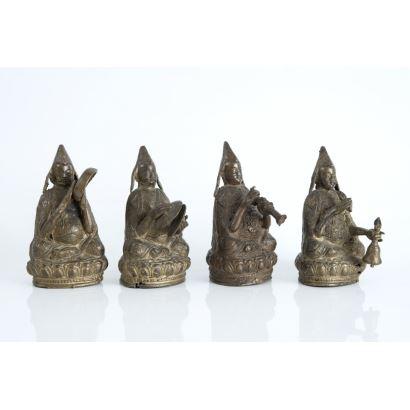 Bronces. Juego de cuatro figuras hindúes, siglo XX.