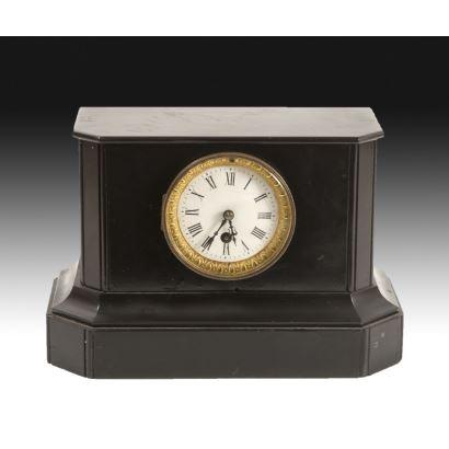 Relojes. Reloj estilo Napoleón III, circa 1900.
