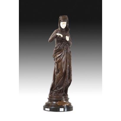 Siguiendo modelos de siguiendo modelos del escultor Albert-Ernest Carrier-Belleuse.