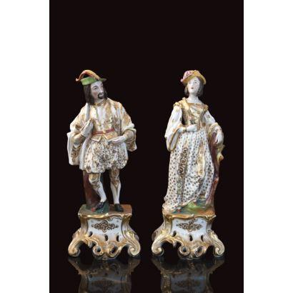Pareja de figuras en porcelana francesa, circa 1900.