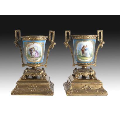 Pareja de copas tipo Sèvres, Francia, siglo XIX.