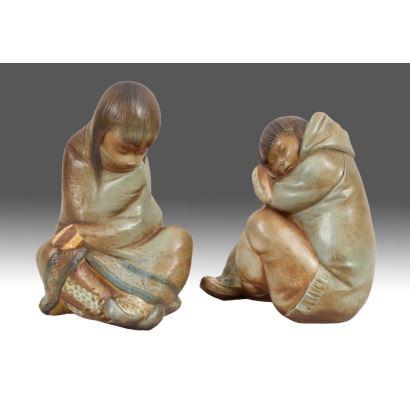 Pareja de figuras en porcelana policromada de la casa LLADRÓ.