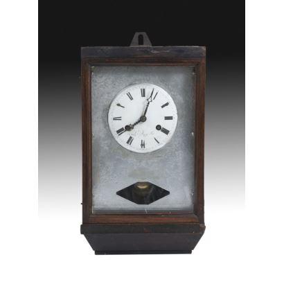 Reloj en madera, Francia, circa 1900.