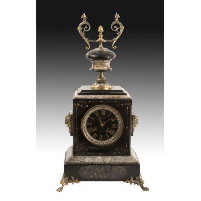 Reloj de sobremesa francés, siglo XIX.