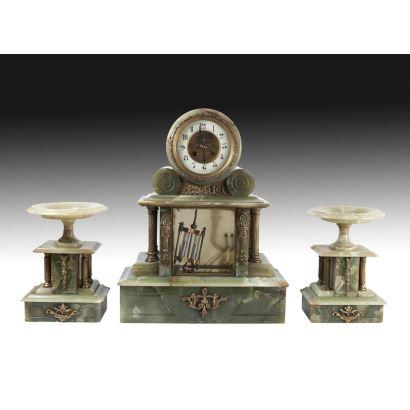 Reloj de sobremesa en piedras duras, siglo XIX.