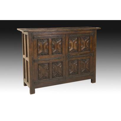 Muebles. Aparador normando, siglo XVI.