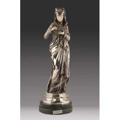 Magnífica escultura criselefantina en PLATA y MARFIL siguiendo modelos del escultor decimonónico Albert-Ernest Carrier-Belleuse.