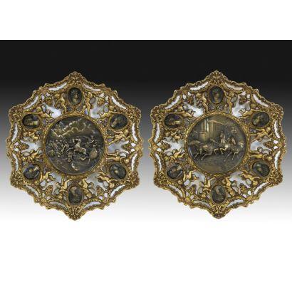 Pareja de platos ornamentales, S. XX