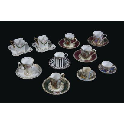 Conjunto de tazas de colección en miniatura, ppios. S. XX.