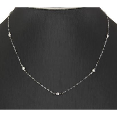 Gargantilla realizada en oro blanco con diamantes talla de brillante engastados en chatones