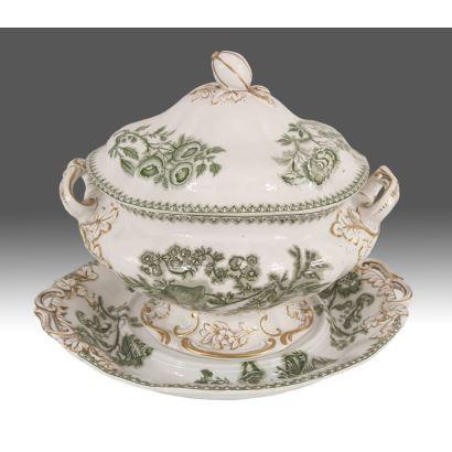 Sopera con bandeja en porcelana inglesa, circa 1830.