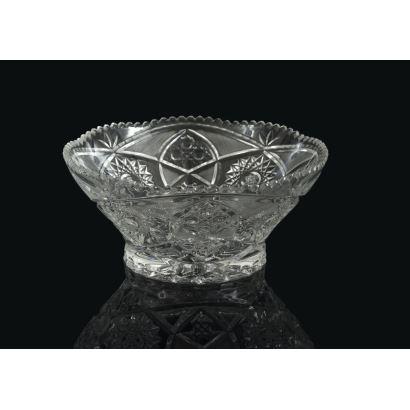 Frutero en cristal tallado, siglo XX.