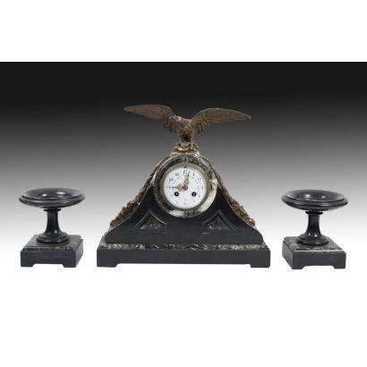 Reloj con guarnición de estilo francés, circa 1900.