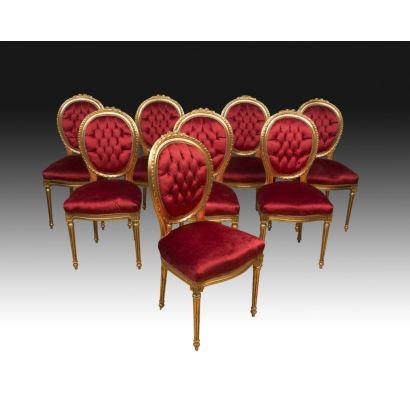 Juego de ocho sillas estilo Luis XVI, siglo XX.