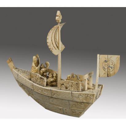 Magnífico barco chino con deidades de la mitología oriental, los dioses inmortales.Con CITES. 23x29x8cm.
