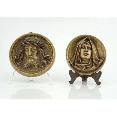 Pareja de tondos en bronce, pps. XX.