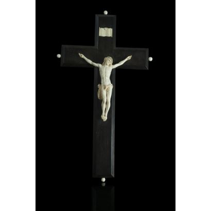 Cristo de marfil, siglo XIX.
