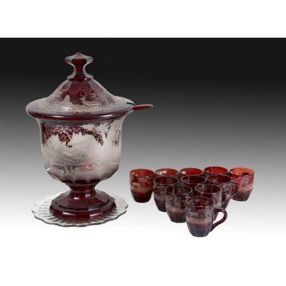 Juego de ponchera con vasos, siglo XX.