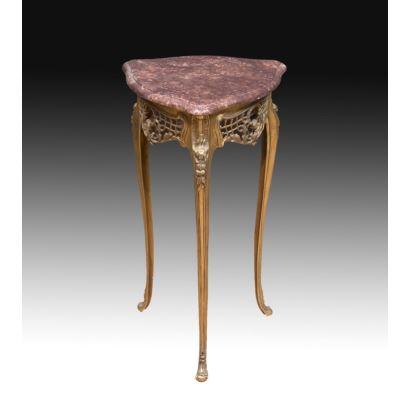 Muebles. Peana estilo Luis XV, siglo XX.