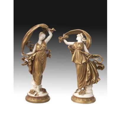 Pareja de figuras en porcelana italiana, pps. XX.
