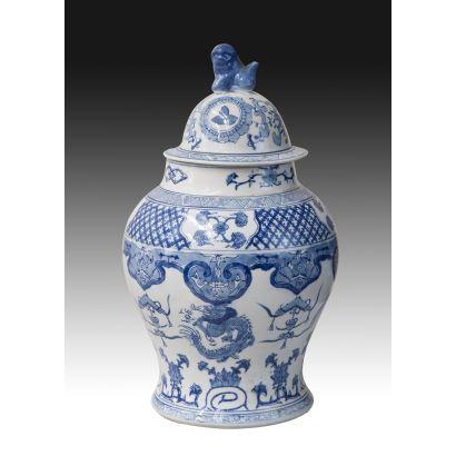 Tibor en porcelana China, pps. XX.