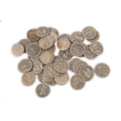 Conjunto formado por 39 denarios romanos en plata.