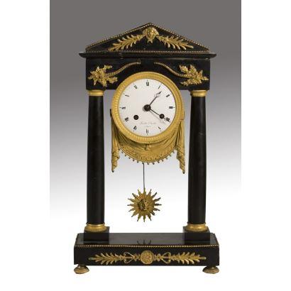 Relojes. Reloj de sobremesa, Francia, S. XVIII.