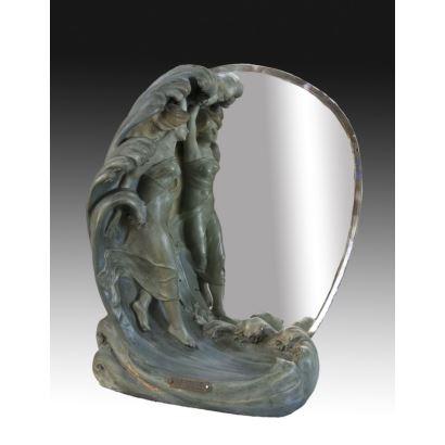 Espejo de sobremesa estilo Art Nouveau.