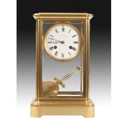 Relojes. Reloj de sobremesa con guarnición, Francia, S. XIX.