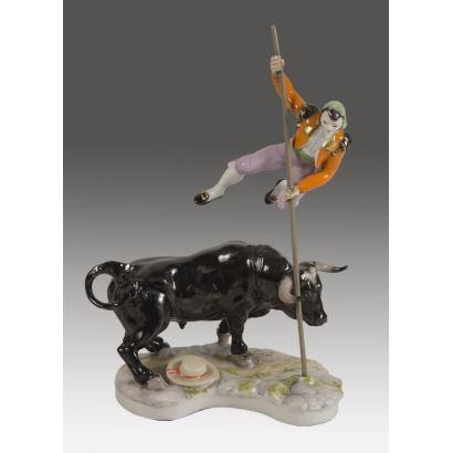 Figura realizada en porcelana policromada.