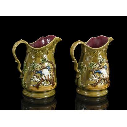 Pareja de jarras en cerámica, Inglaterra, pps. siglo XX.
