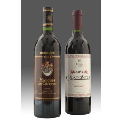 Vino tinto MARQUES DE CÁCERES, Rioja,  reserva 1994. Vino tinto VIÑA GRANDEZA, denominación de origen Rioja, Crianza 1999.