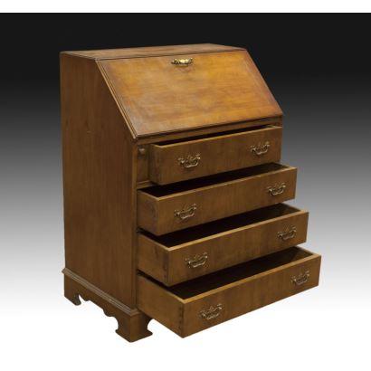 Muebles. Bureau, estilo Jorge II, S. XX.
