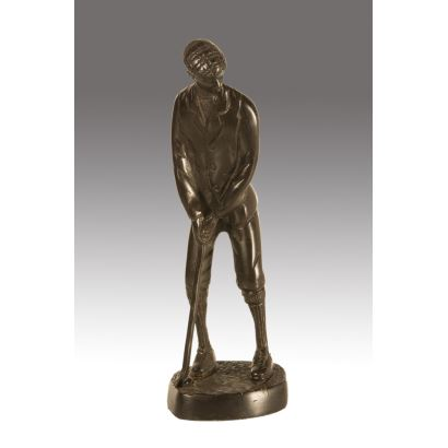 Bronces. Figura en bronce sobre peana circular.