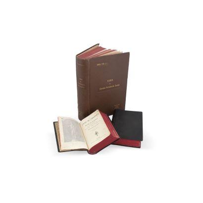Libros y papel. Conjunto formado por Misal, libro de oraciones y Vida de Santa Teresa de Jesús, S. XX