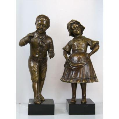 Pareja de esculturas en bronce, siglo XX.