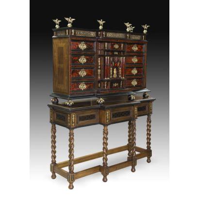 Muebles. Bargueño Italiano, siglo XVII y posterior.