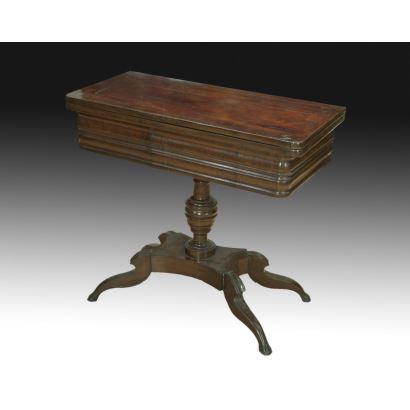 Muebles. Mesa de juego isabelina, hacia 1900.