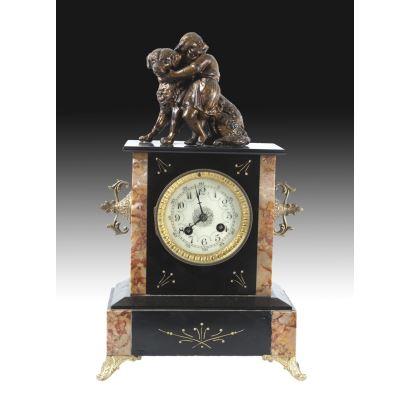 Reloj de sobremesa en mármol y bronce, pps. XIX.