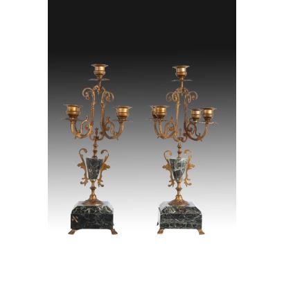 Objetos. Pareja de candelabros, Francia siglo XlX