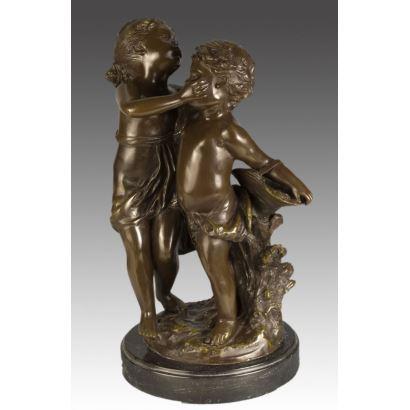 Bronces. Figura en bronce sobre peana de mármol.